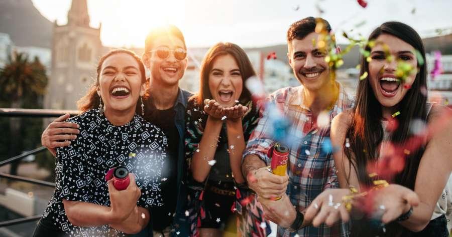 Warum die Generation Y ans Investieren und Sparen denken sollte - 5 nützliche Tipps zum Sparen für junge Leute